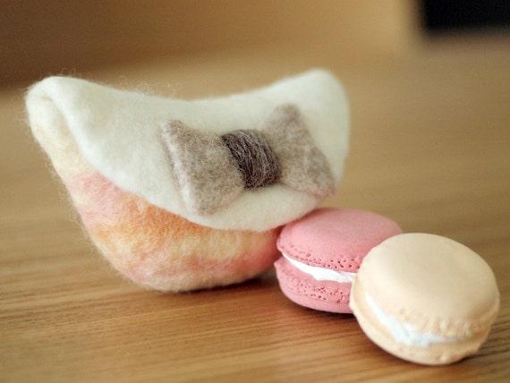 Felt coin purse and key pouch : Miss bow handmade pouch