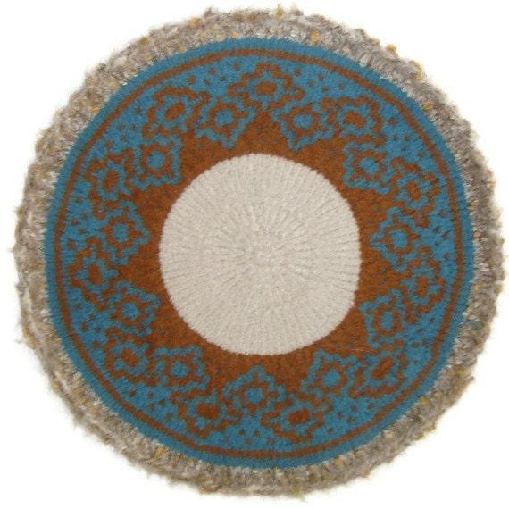Cat Bed Mat Merino Cashmere Hand Knit  Felted Pet Rug - Lakshmi