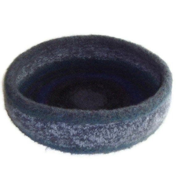 Cat Bed Peruvian  Wool Hand Knit Felted Pet Bed  - Gainko