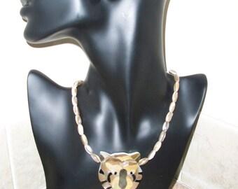 Majestic Tiger head pendant (item 6411)