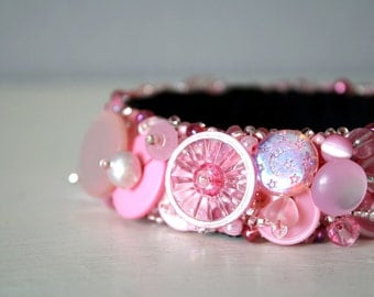Pink-Pink Button Bracelet, Re-purposed Vintage Buttons, Upcycled Jewelry