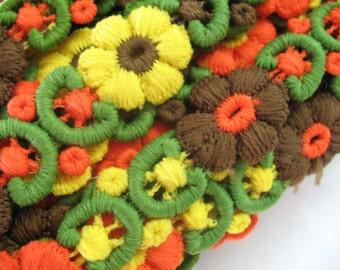 VINTAGE KNITTED EMBROIDERED floral ribbon .