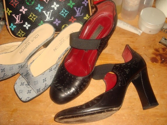 Vintage DONNA KARAN Pumps. Shoes. Black Leather Mary Jane's. chunky heels.Red leather lining.Couture Strappy Heels