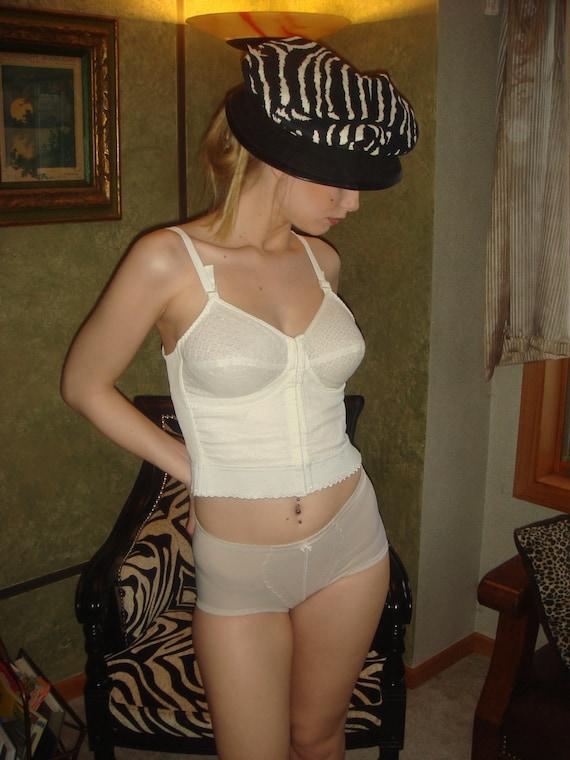 Ladies Intimates,Vintage Brazier Under wear set Authentic 40s style,  Lingerie, Underwear & Bustier set ,corset, bullet Brazier,  SHAPE WEAR