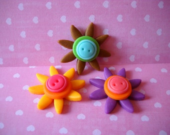 Cute as a Button - 12 Edible Fondant Daisies with Fondant Button Centers - Your Choice of Colors