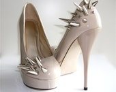 Asymmetrical Spiked Patent Leather Pumps - Nude
