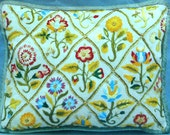 Rare Erica Wilson ELIZABETHAN GARDEN PILLOW -Embroidery Stitch Pattern Chart Kit - Metropolitan Museum Of Art