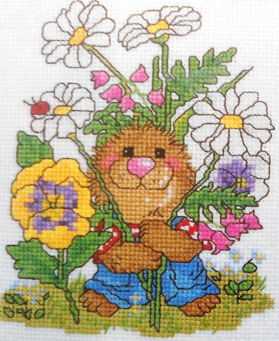 Adorable Suzys Suzy's Zoo Ollie Marmot BEAUTIFUL WORLD Counted Cross Stitch Pattern Chart Kit By Janlynn