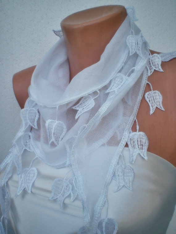 White Tulip scarf with lace- cotton