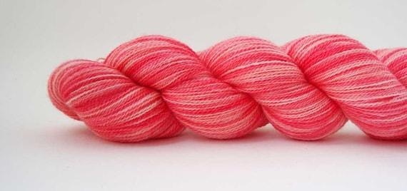merino lace yarn ROUGE 3.5oz / 760 yards