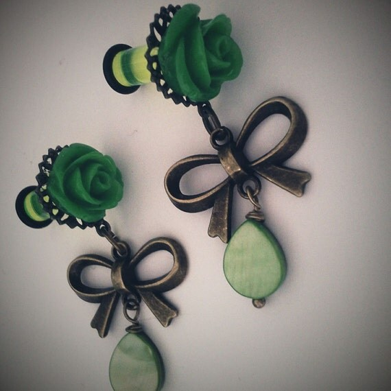 4g 5mm Spring Green Dangly Girly Plugs - Stretched Ears Body Modification Victorian Gothic Lolita