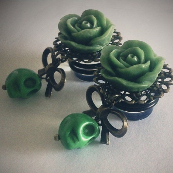 Zombilina 1/2 inch 13mm Macabre Plugs for Stretched Ears - Victorian Mourning Macabre Horror Day of the Dead Gothic Skull
