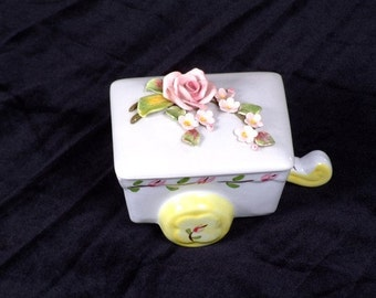 Pasadena Trinket Treasure Jewelry Wagon Box With Pink Roses