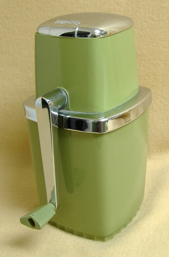 how to use manual ice crusher
