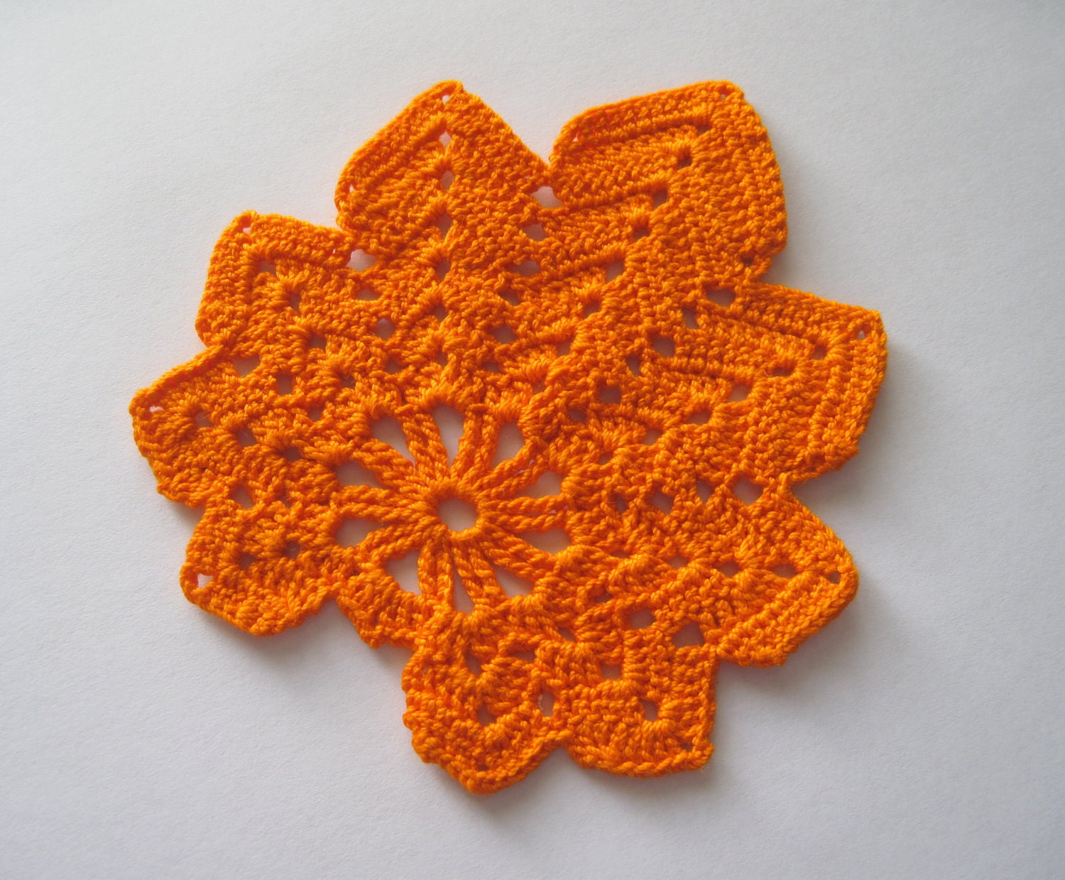Free Maple Leaf Potholder Crochet Pattern : Crocheted Maple Leaf Mini Doily/ Coaster/ Applique Orange