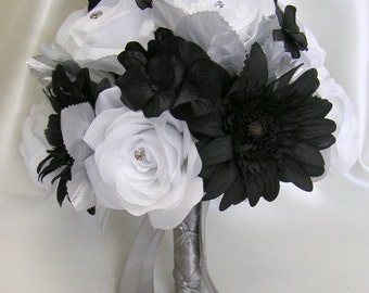 """17 Pieces Package Silk Flower Wedding Bridal Bouquet Decoration Centerpieces Bride Groom Maid Floral BLACK WHITE """"Lily Of Angeles"""" WTBK01"""