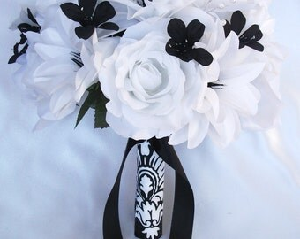 """17 Pieces Package Silk Flower Wedding Bridal Bouquet Bouquets Bride Maid Groom Corsage Decoration BLACK WHITE """"Lily Of Angeles"""" WTBK02"""