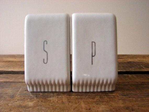 Salt Pepper Shakers, White, Retro