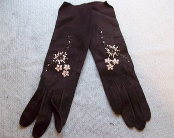 Vintage black suede gloves with beaded flowers