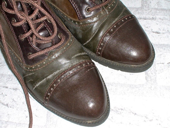 Brown Two-Tone Lace Up High Top Oxfords (6 1/2)