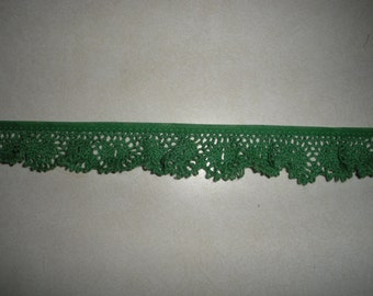 Lace ... Gathered ... 1 1/4  Inch Wide ... Bright Green Cotton Lace ... One Yard ... Item No. L028