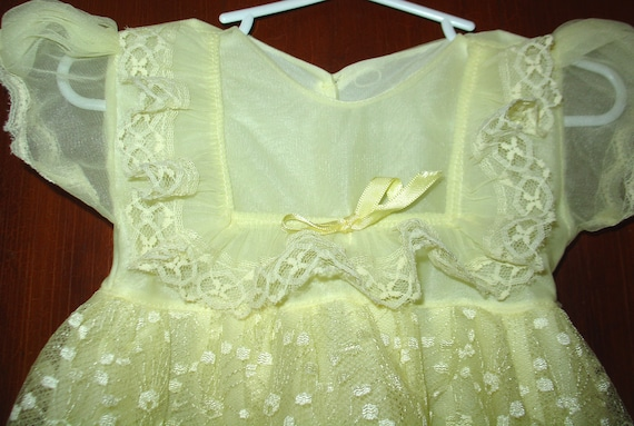 VINTAGE Baby girls DRESS Yellow and Lace 6-12 Months