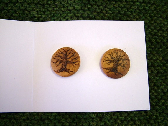 wooden shank buttons with winter oak trees