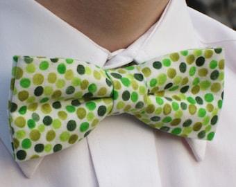 Green Polka Dot Bow Tie