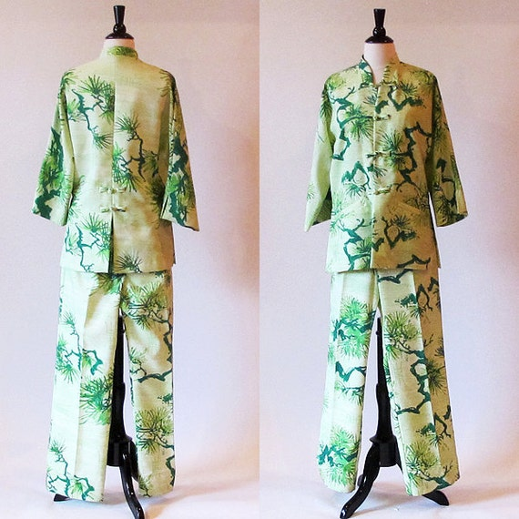 70s green Lounge Jacket and Pants / Pine Tree Print / Polyester Pants Suit / Made in Hawaii