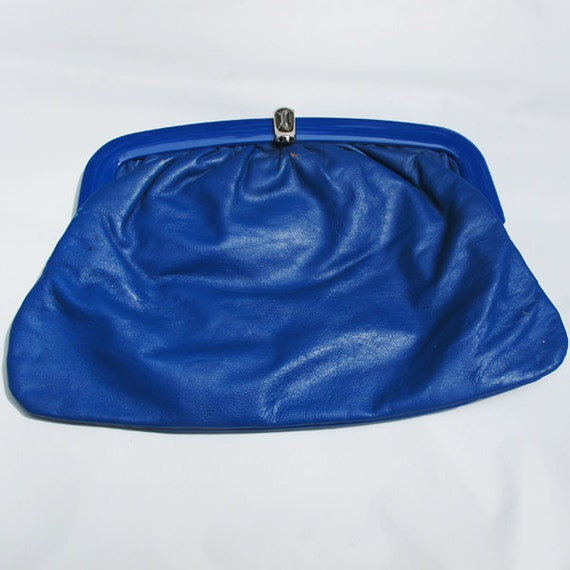 Blue leather clutch / 80s purse / made in Italy