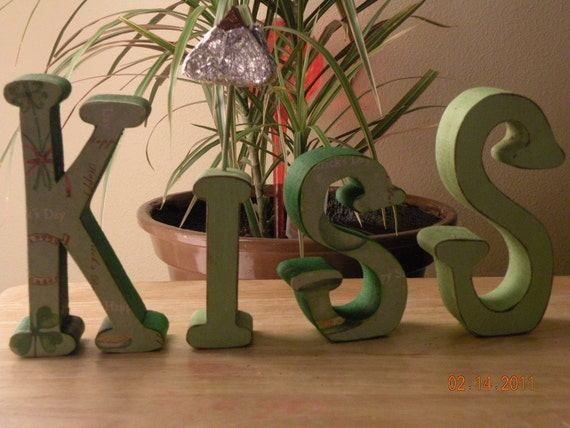 St. Patricks Day Themed KISS in Wooden Letters