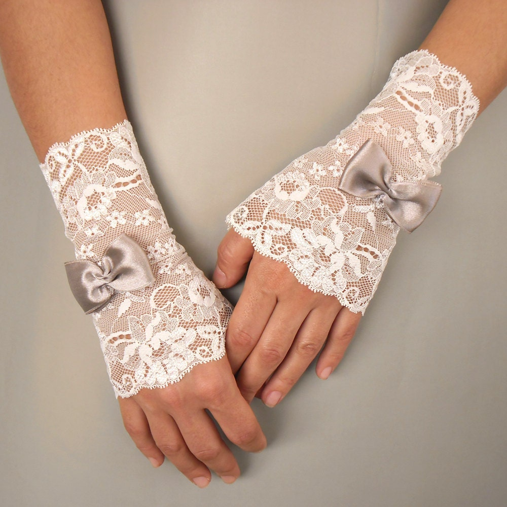 Lace bridal fingerless gloves dress cuffs in by mammamiabridal for Wedding dresses with gloves