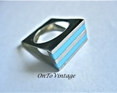 Retro Rectangular 60's Turquoise Mod Ring of Lucite and Steel