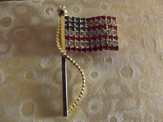 Vintage Rhinestone US Flag Brooch, Flag Pin, Gifts for Her, Gifts for Mom