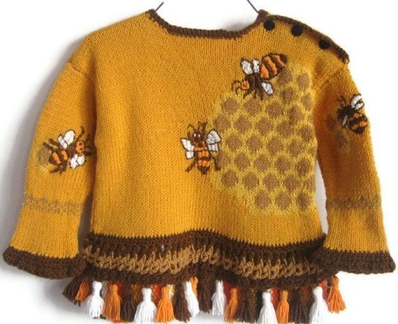 Hand Knit Children Sweater Wool, embroidered Sweet Honey and bees, Tunic Sweater children 4 to 5 years by Solandia
