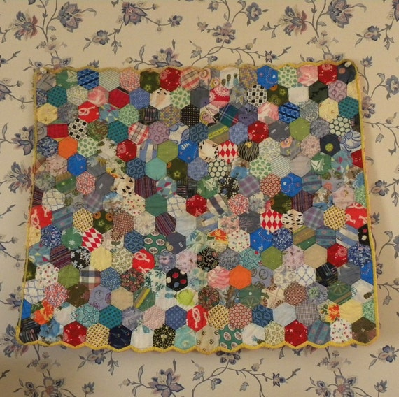 Cheery 40s Hand-Quilted Doll Bed Quilt-