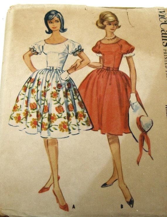 Vintage Sewing Pattern, McCalls Pattern 5731, 1960 Rockabilly Dress, Raglan Sleeves, Gathered Skirt, Petticoat