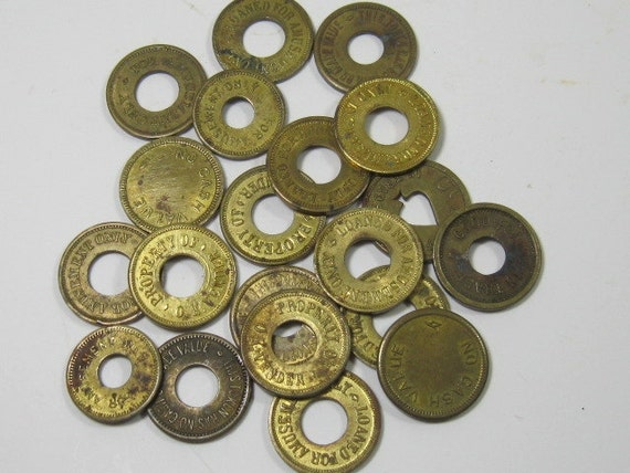 Vintage Carnival Tokens: Game Tokens, Amusement Tokens, 20 Pieces in Brass and Gold Tone