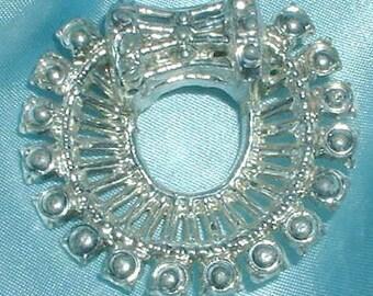 Vintage Silver Tone Circle Brooch