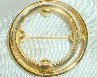 Vintage Art Deco Style Circle Brooch