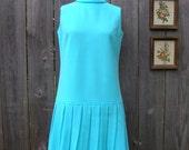 Vintage FLIRTY SIXTIES KNIT Dress