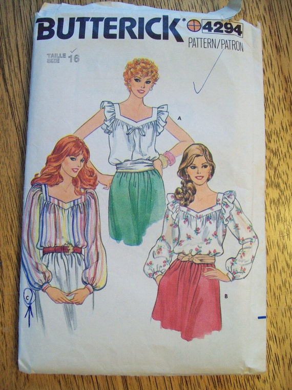 VINTAGE Sewing Pattern - 1970s Soft and Romantic Ruffle Blouse - Butterick 4294