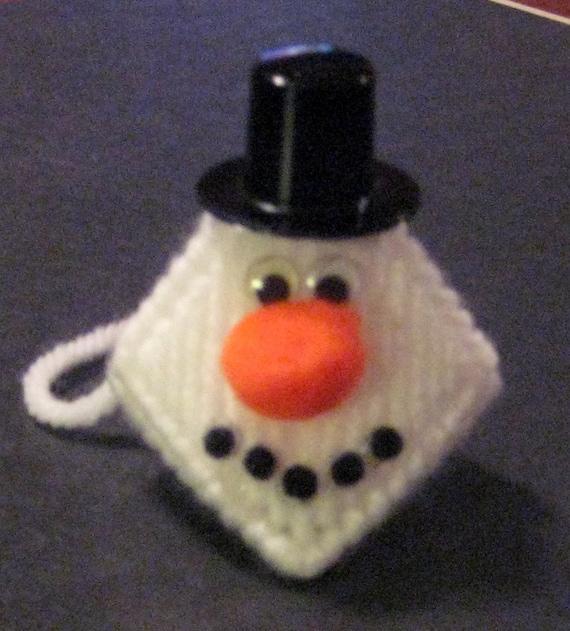 Items similar to Snowman Plastic Canvas Kissing Ornament ...