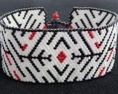 Mysterious Maze Bracelet in Black and White Seed Beads