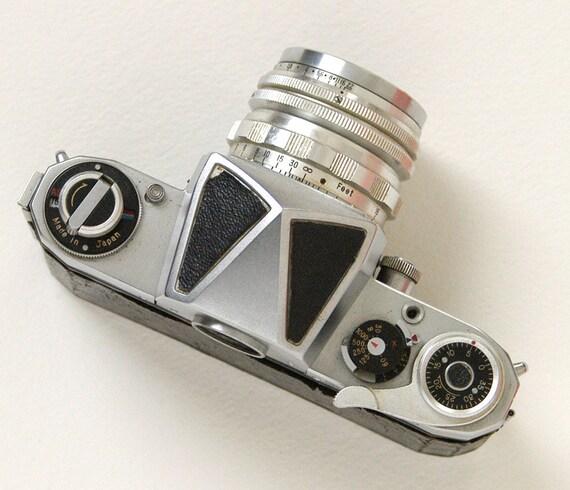 Miranda camera 35mm vintage film camera mid century rare 1950s camera