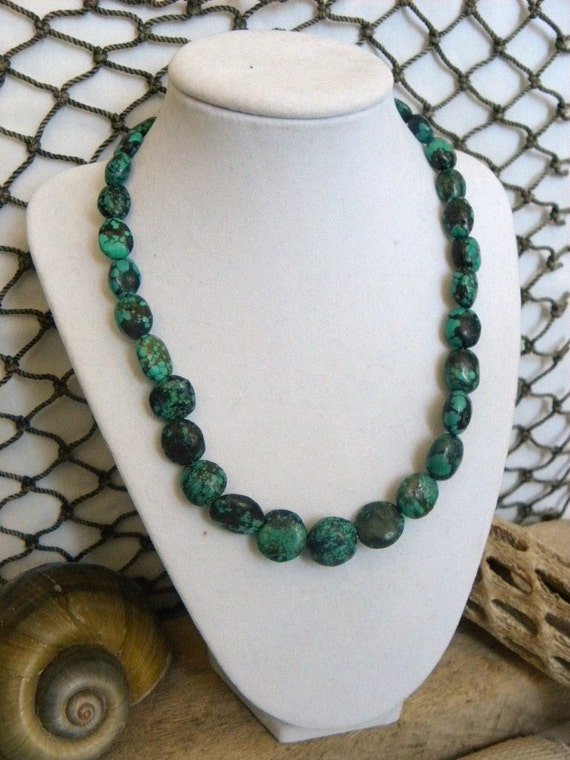 Dark Green Gradual Turquoise Beaded Necklace
