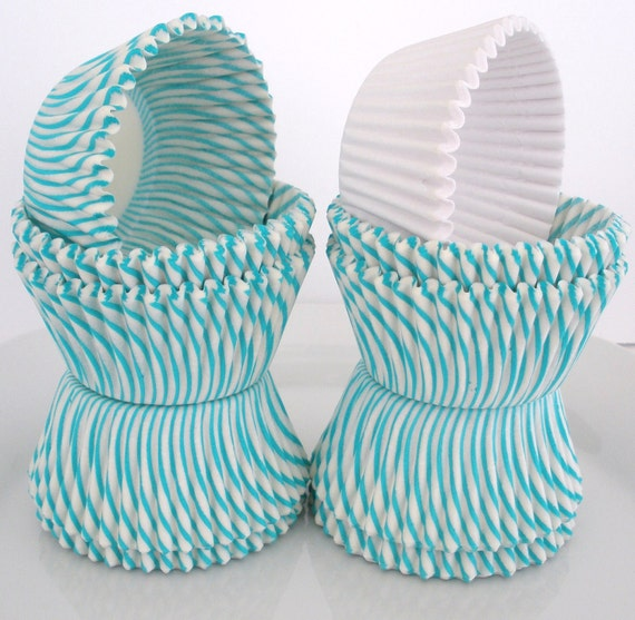 "CupCake Liners, 80 Count.....TURQUOISE / AQUA Stripe  CupCake Liners...40 Ct....with 40 ""FREE"" Solid White Liners, Standard Size"