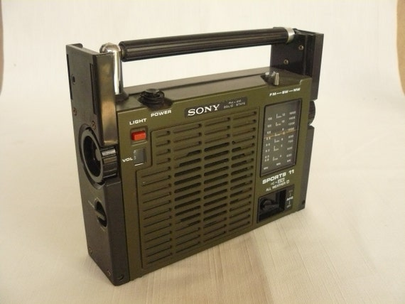 VIntage Sony Radio Sports 11 al weather condition
