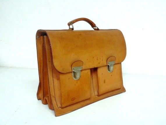 Vintage Classic  leather briefcase portfolio