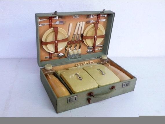 mid century sirram picnic basket